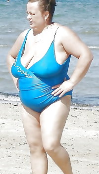 BBW matures and grannies at the beach 328