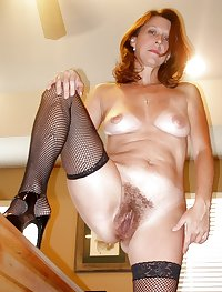 MILFs and Matures in Stockings