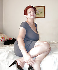 Awesome exhibitionist granny (1)