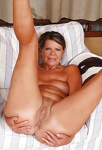MATURE AND GRANNIES 75