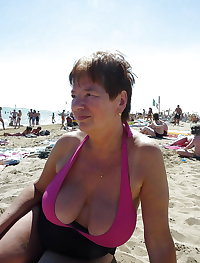 BBW matures and grannies at the beach 250