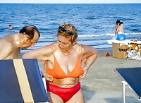 BBW matures and grannies at the beach (2)