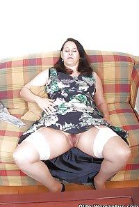 47 year old and British milf Suzanne from OlderWomanFun