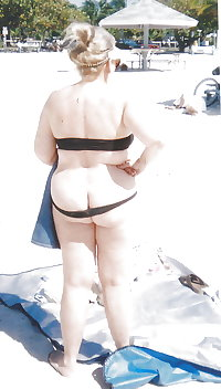 BBW matures and grannies at the beach 282