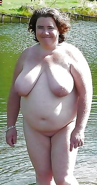 BBW matures and grannies at the beach (94)