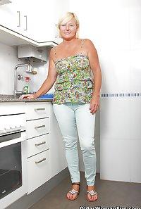 48 year old gilf Sabine from OlderWomanFun