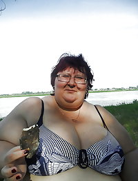 BBW matures and grannies at the beach 233