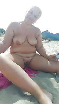 BBW matures and grannies at the beach 249
