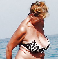 BBW matures and grannies at the beach 186