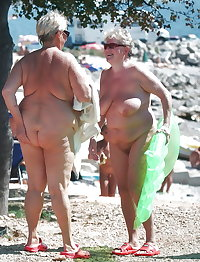 BBW matures and grannies at the beach 146