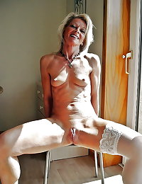mature housewives and sexy grannies 49